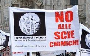 Manifestazione contro le scie chimiche il 21 dicembre 2013 a Modena