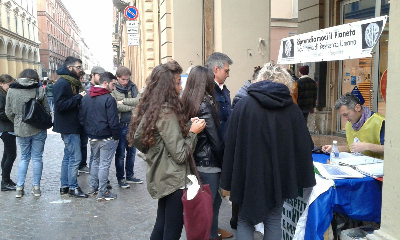 Bologna 22 Novembre 2015 Banchetto Informativo RIP - MRU (1)